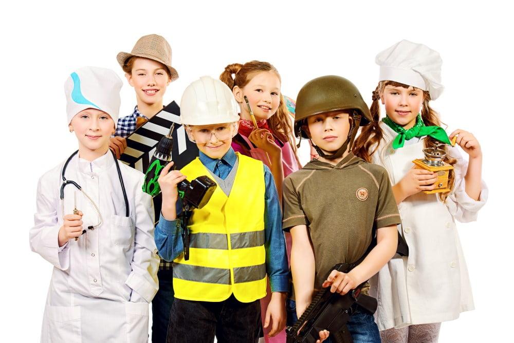 Udklædte børn til fastelavn